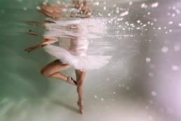 photo danseuse sous l'eau
