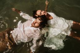 Mariage dans l'eau Frontignan plage 34 photographe aquatique