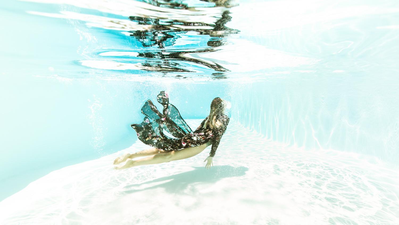 photo femme sous l'eau, underwater hérault